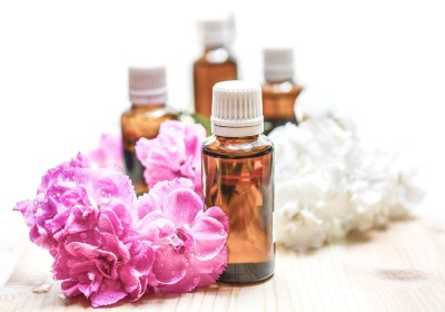 The Power of Essential Oils for Health, Hope and Happiness