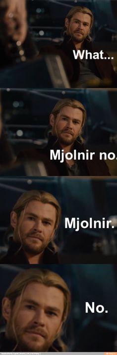 Steve lifting Mjolnir