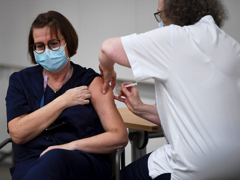 Roughly 6–7,000 vaccinated in Finland – EU disappointed with vaccine deliveries