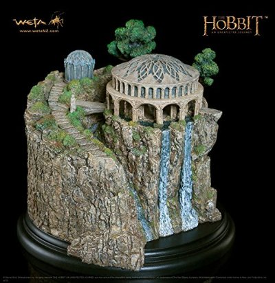 Weta-Le-Hobbit-statue-White-Council-Chamber-0