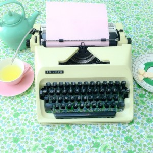 typmachine uit de winkel van retroloekie in de blog van hemelsblauw