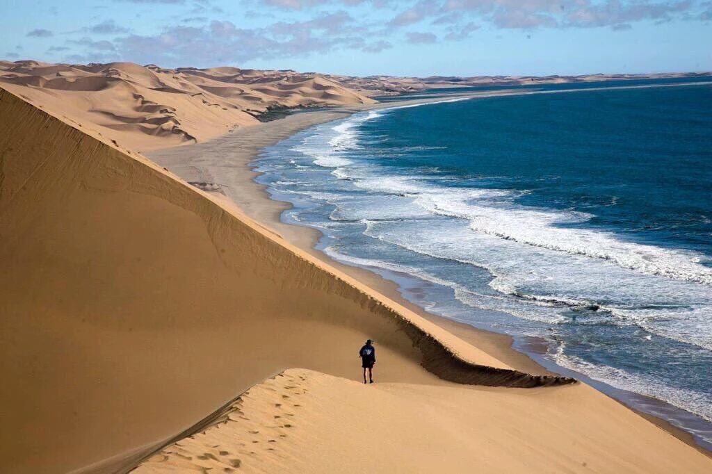 namibia-how-to-visit-where-sand-dunes-plunges--91cac692e9