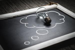apprendre-à-apprendre-coaching-Rhône-Alpes-ampoule-idée-intelligence