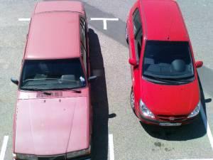 Röda bilar