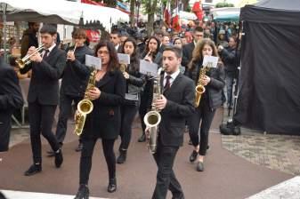 defile-place-republique-marche_08.05.2019