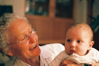 Perhaps an example of what Ken Barris in his talk referred to as 'transgenerational something': Iñaki Mentz with his grandma: Janice Mentz | photo credit: Tony Carr shooting with film (non-digital)