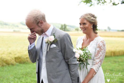 Falköping, Skövde, Skara, Tidaholm, Jönköping, Skaraborg, Fotograf, Bröllop, Bröllopsfotograf, Wedding, Brudpar, Brudbukett, Brudgum, Brud, Bride, Bröllopsfotograf i falköping, Duktig bröllopsfotograf i Falköping,