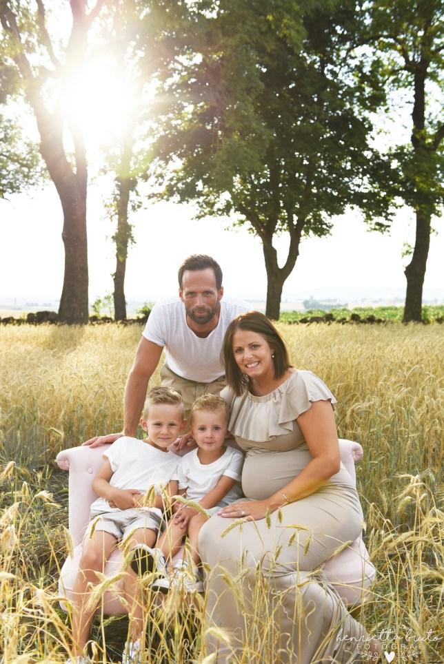 Barnfotograf, familjefotograf, Fotogarf falköping, falköping, Gravid Falköping, Gravid fotograf, Fotostudio Falköping