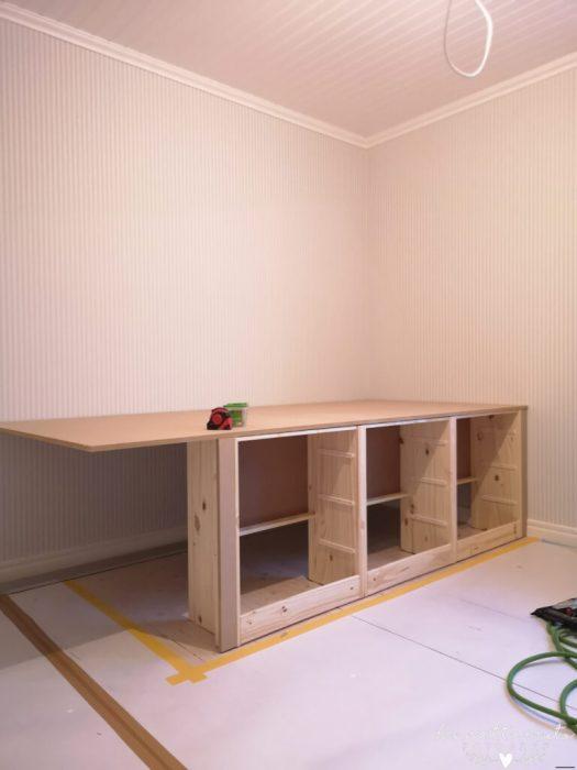 Platsbyggd säng, barnsäng, platsbygga, förvaring, barnrumsförvaring, barnruminspiration