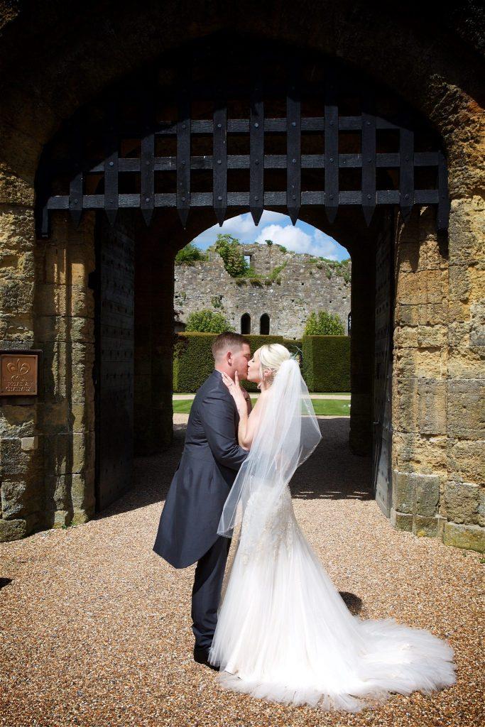 amberley-castle-may-wedding-canda-001