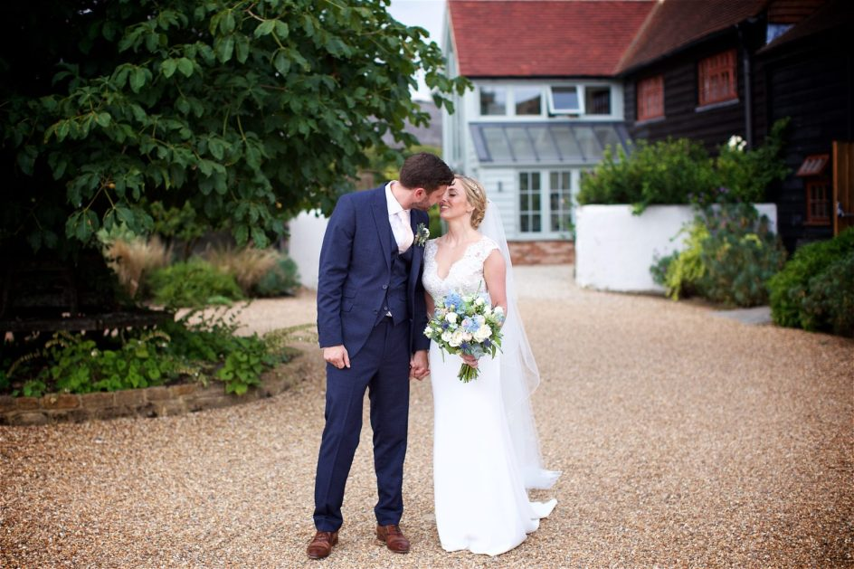 gate-street-barn-july-wedding-photography-nandd-386