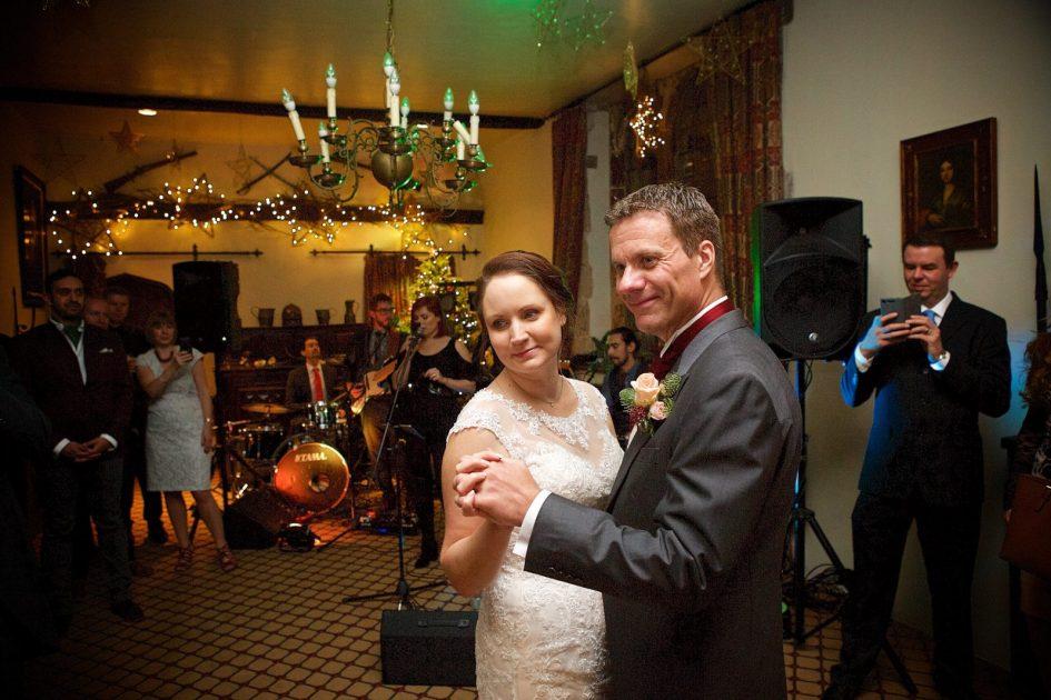 amberley-castle-december-wedding-sandt-536