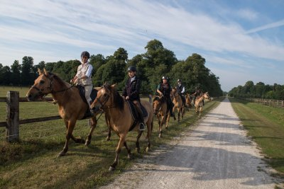 Henson horses ride at the Polo-Club of Apremont