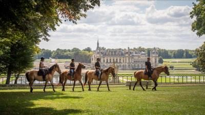 Balade avec les Chevaux Henson devant le château de Chantilly