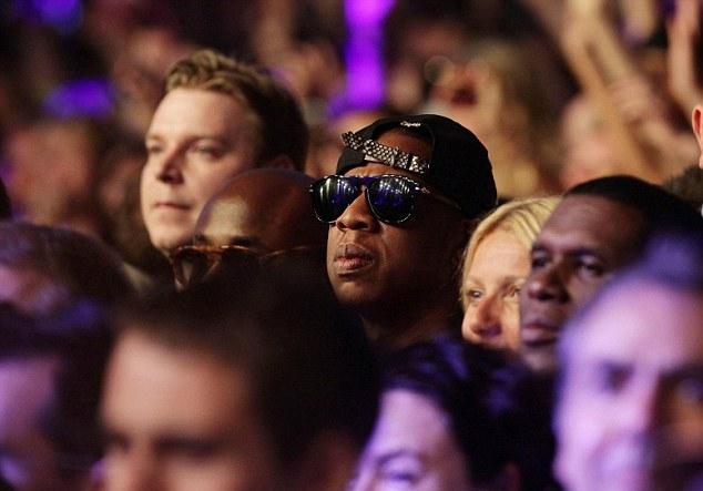 Jay-Z-Glastonbury-audience