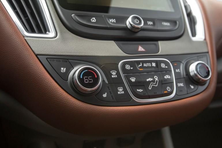 2016-Chevrolet-Malibu-20T-Premier-climate-controls