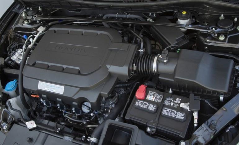 2016-Honda-Accord-Touring-engine