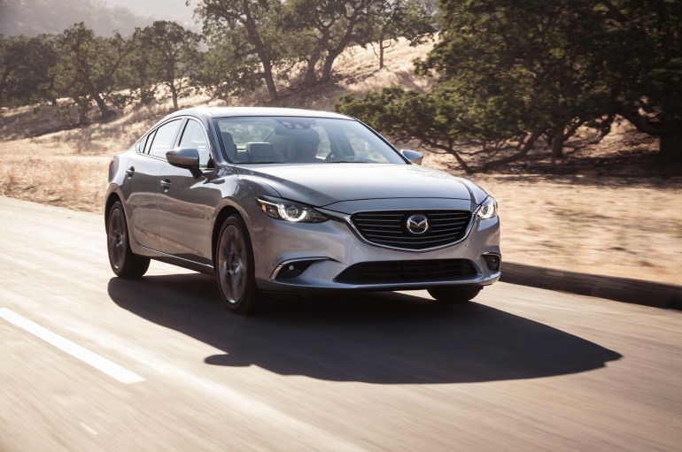 2016-Mazda6-front-three-quarters-in-motion