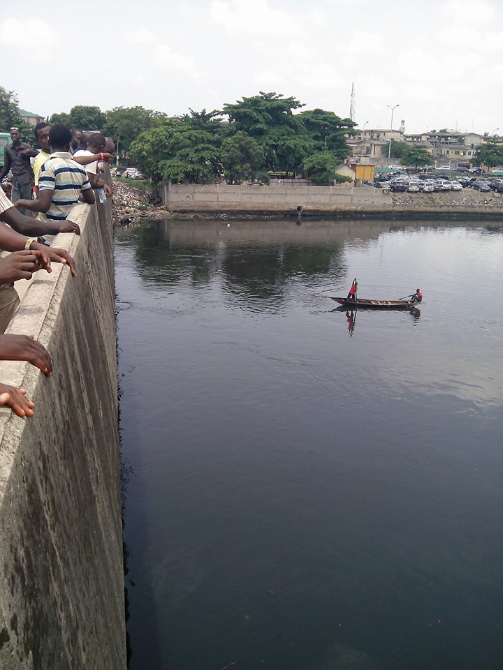 Man buys lagos lagoon for N787million from Fraudstars