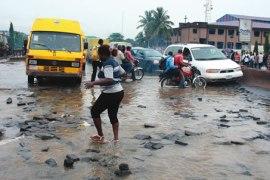 Flooded-Road-Lagos-Potholes