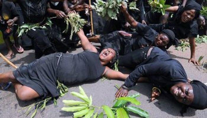 nigerian-women-wail-over-killing-in-north-afp_pix2010