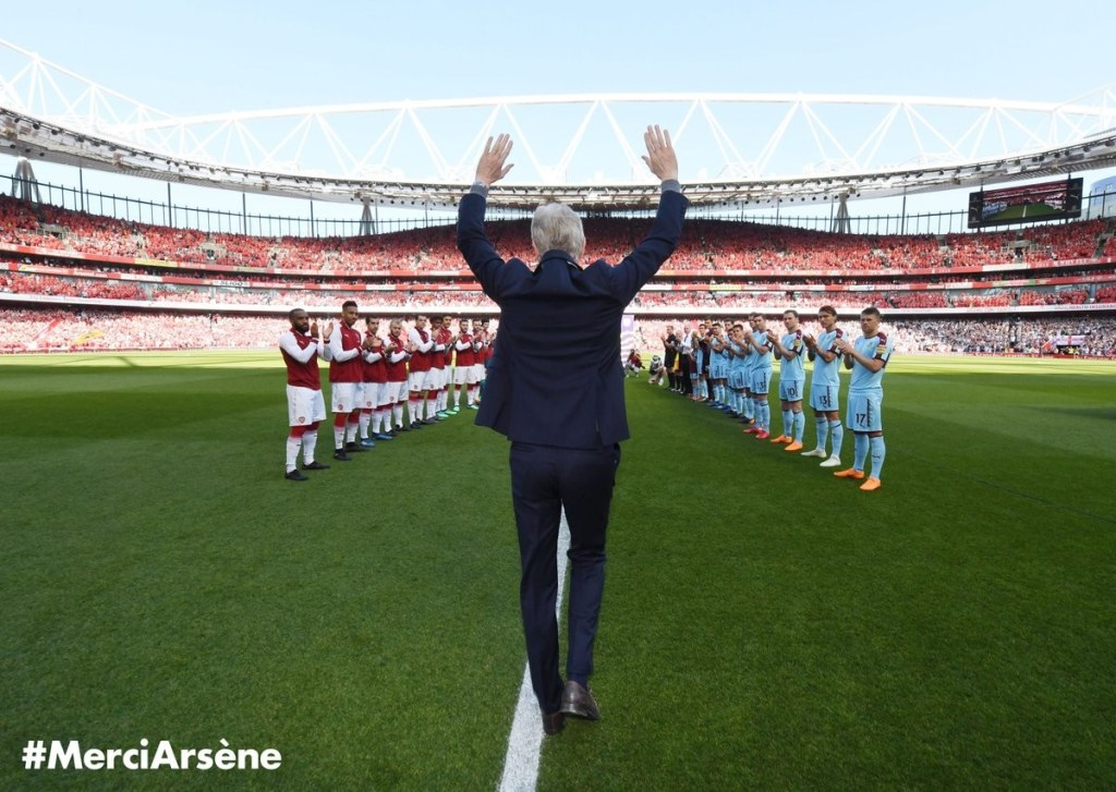 Photo of Wenger athis last game at arsenal