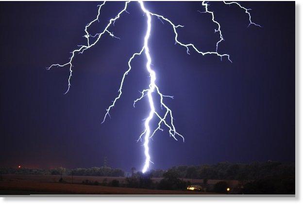 Lightning_Strike_Kills scores of farmers in bangladesh