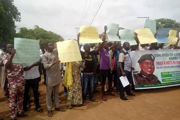 Ilorin residents march in support of the transfer of suspected cultists to abuja