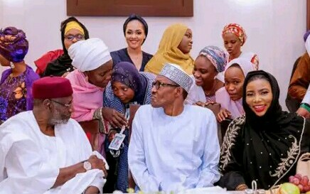 President Buhari breaks Ramadan fast with popular personalities