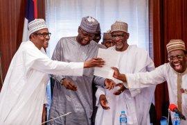 Buhari with WAEC result
