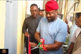 Desmond Elliot inaugurate toilet in Surulere