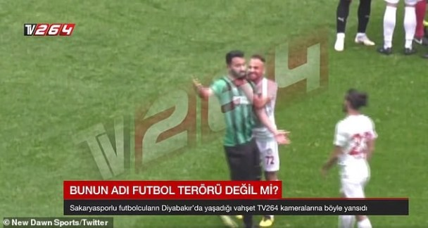Video: Footballer attacks opponents with sharp object on pitch