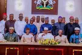 Buhari and APC Governors, Senators-elect at dinner