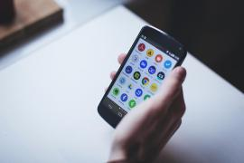 5 things you can do with an old Andriod phone