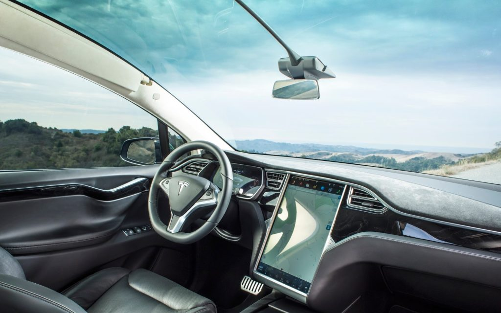 Tesla dash cam saves driver from law suit