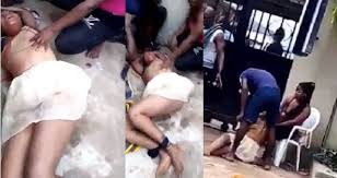 slay-queen-runs-mad-after-alighting-from-jeep-video