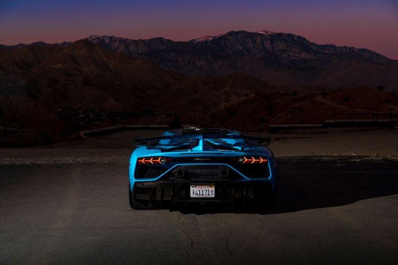 2020-lamborghini-aventador-svj-roadster-drive-109-1576871369