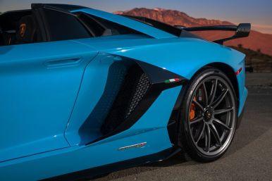 2020-lamborghini-aventador-svj-roadster-drive-115-1576871372
