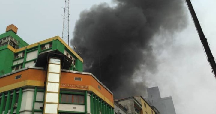 BREAKING: Fire Engulfs popular Balogun Market