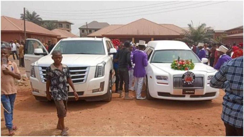Kanu parents burial