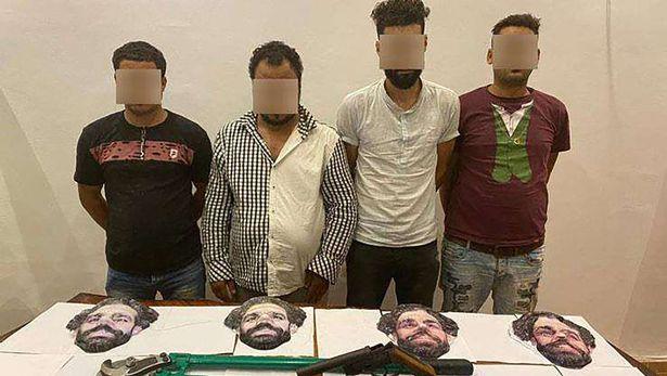 1_mohamed-salah-mask-gang-egypt_1w5bvf5emhgkh15emw49rn6o29.jpg