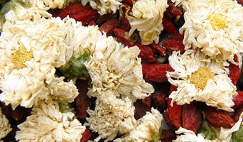 Tisane antivieillissante (ju hua qi zi) – 菊 花 枸 杞 茶