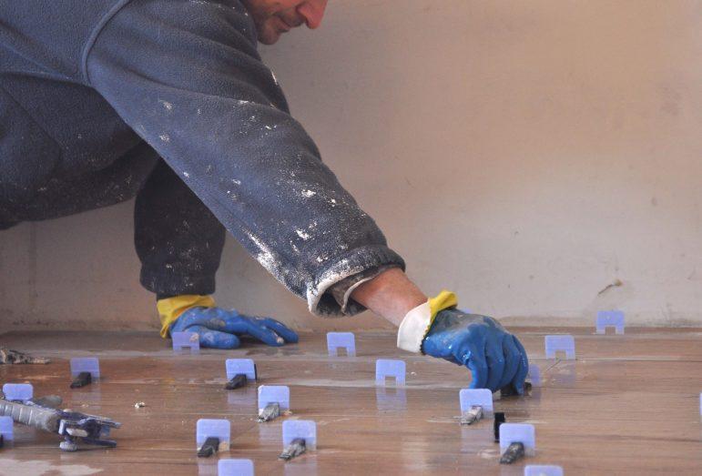 herederos basilio retortillo empresa construccion montehermoso extremadura hospederia reforma azulejos alicatado solado obrero scaled