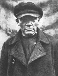 Lenin looking like a tramp
