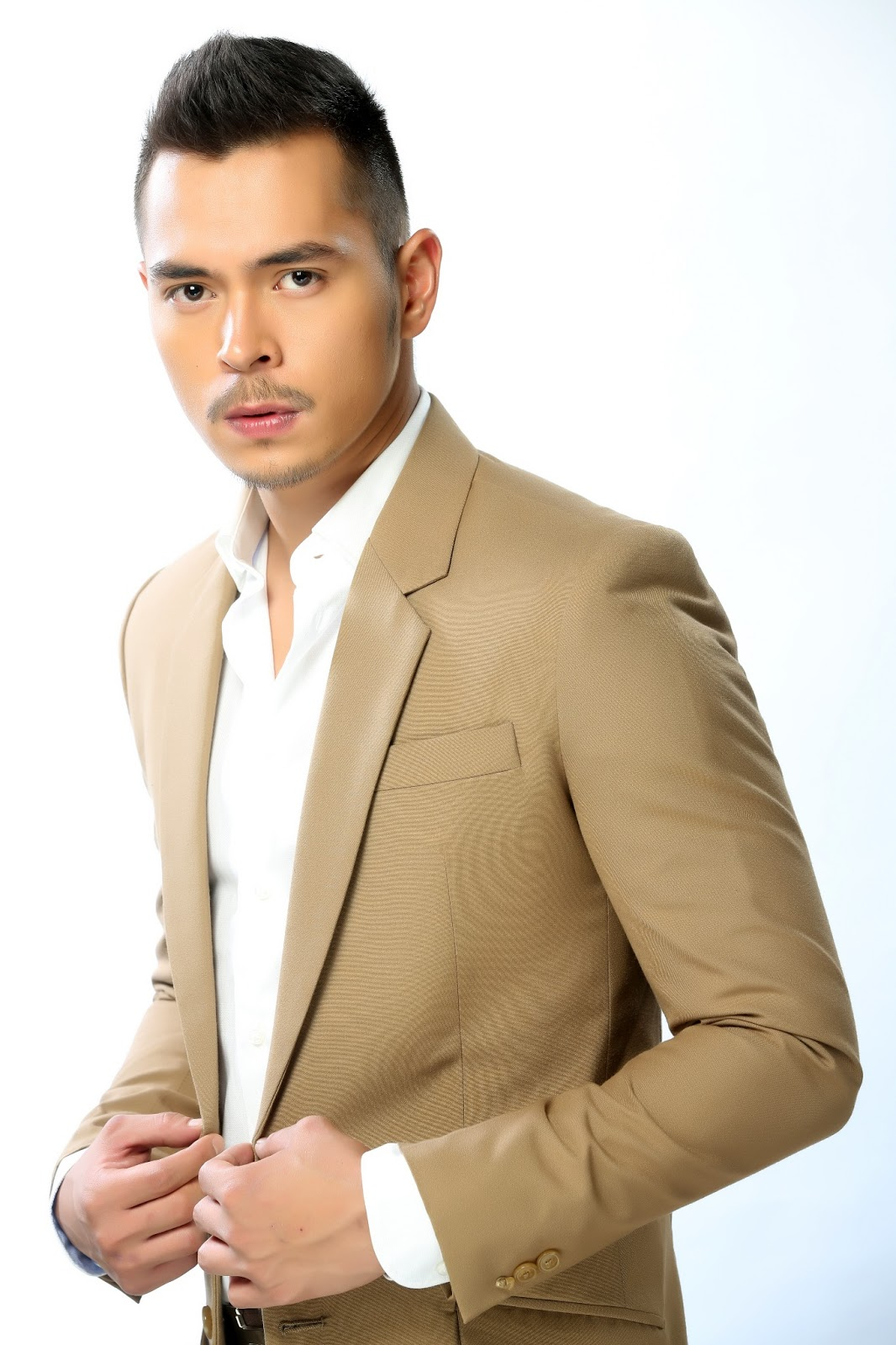 Top 20 Hottest Guys From The Philippines