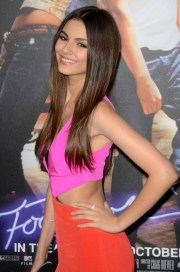 victoria justice bra size height