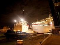 Luxury cruise liner MS Deutschland arrives in London Docklands - Pic British Waterways