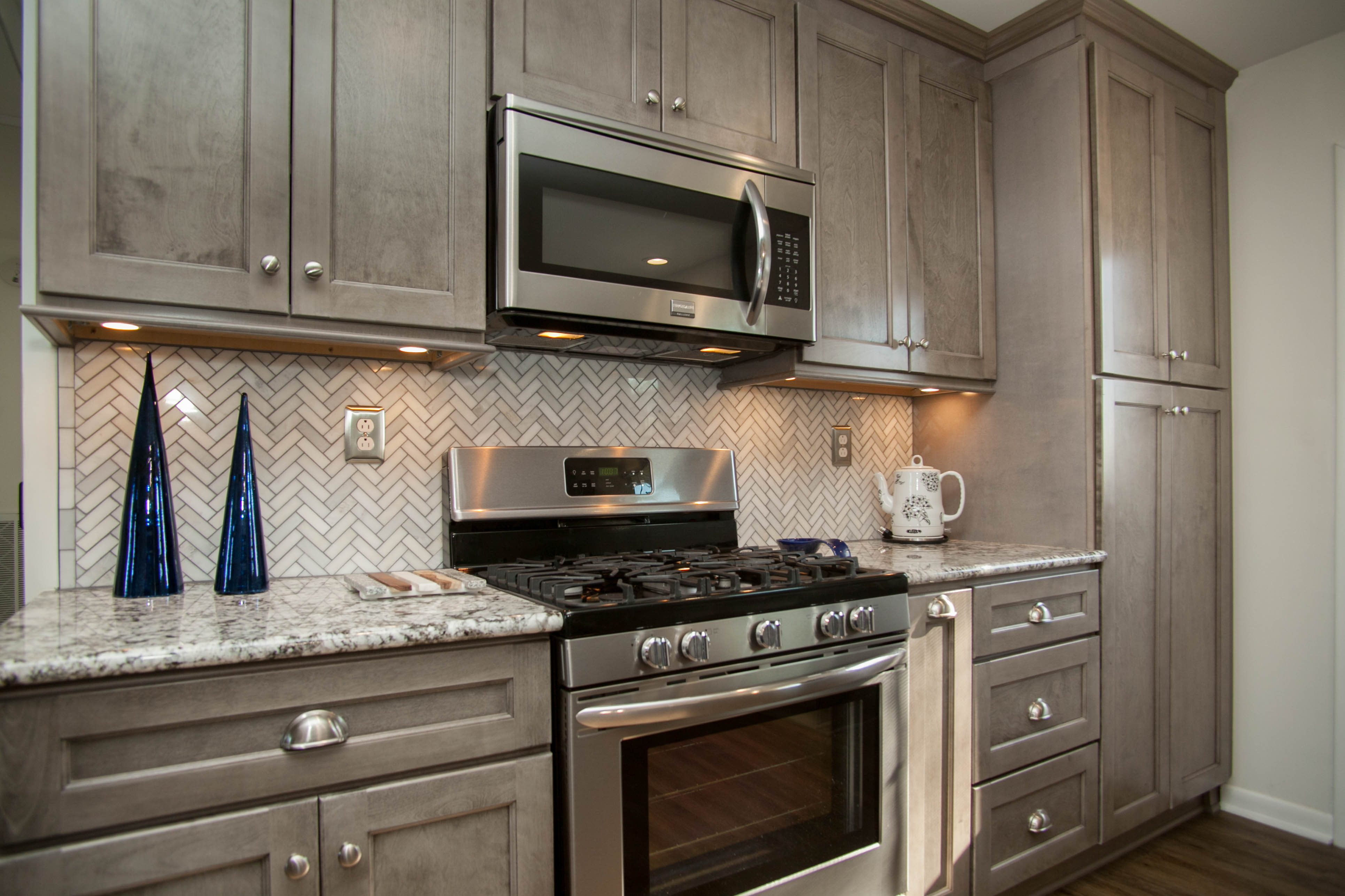 Best Kitchen Gallery: Norris Gray Heritage Cabi S of Heritage Distressed Mocha Kitchen Cabinets on rachelxblog.com