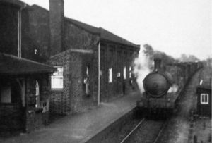 AOS P 1589 fleet station 1925 steam train running through