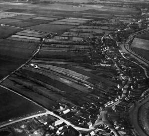 AOS P 2852  Strip fields to the rear of Eastgate, Deeping St James, 1949.